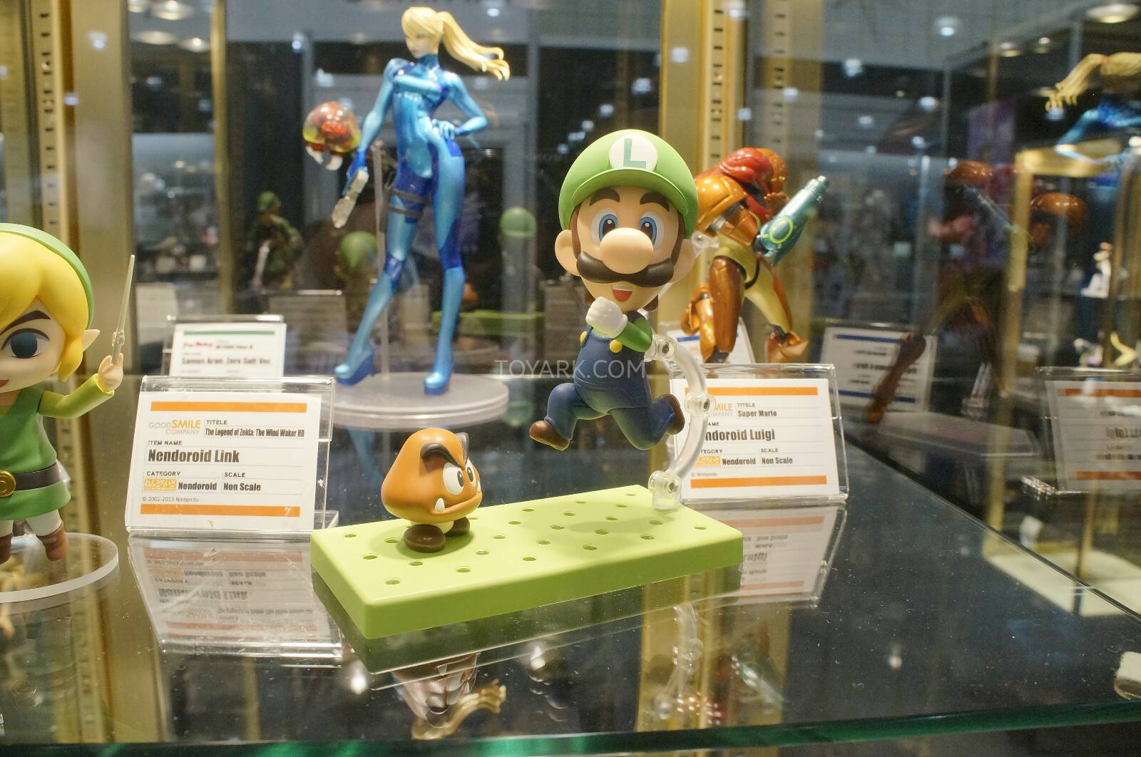 [EVENTO] Toy Fair 2014 - Good Smile Company / Max Factory / Phat Company / FREEing Toy-Fair-2014-Good-Smile-and-Max-Factory-Display-037