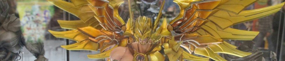 Toy Fair 2014 Square Enix DC Comics Play Arts Kai 024