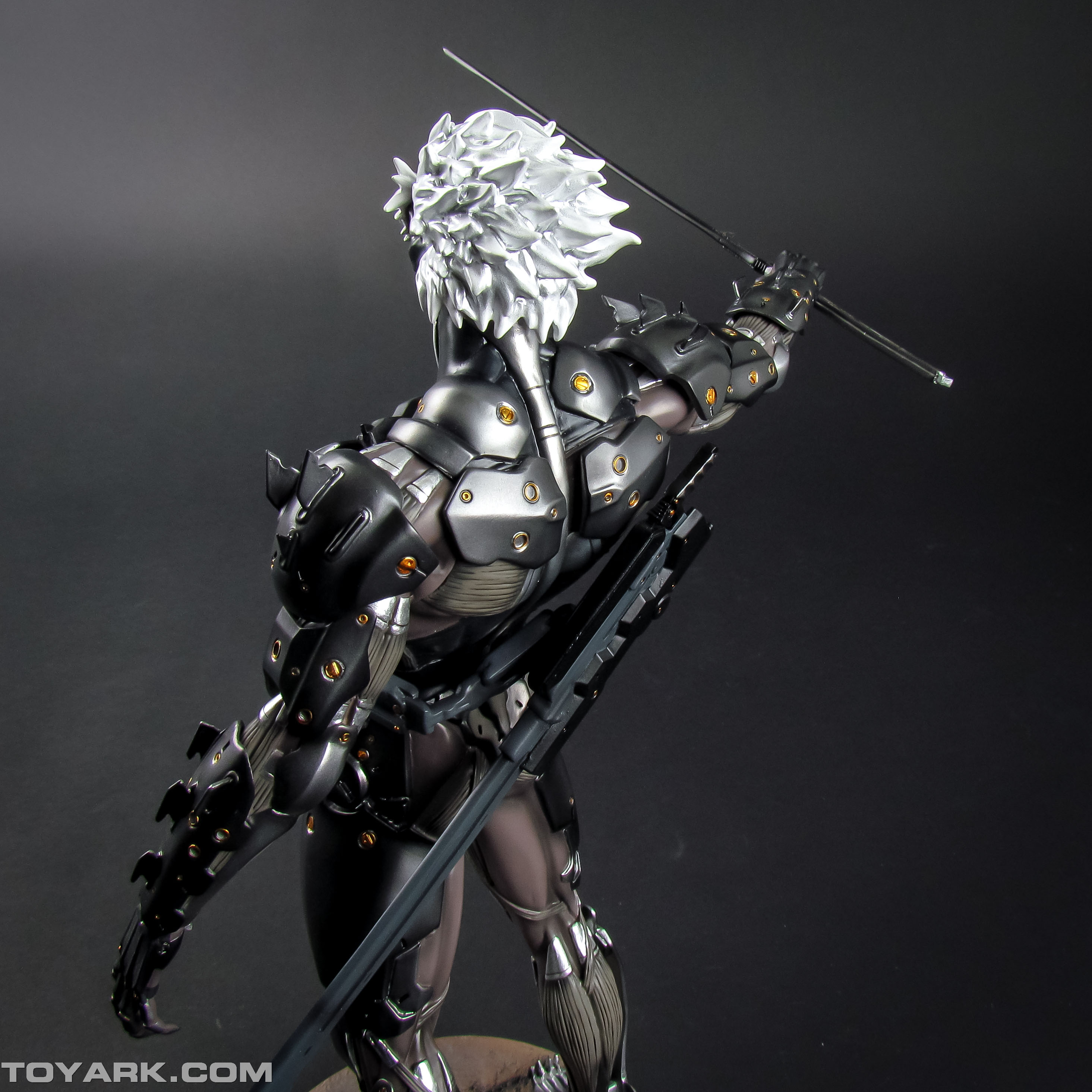 Metal Gear Rising Raiden Model Kit 023