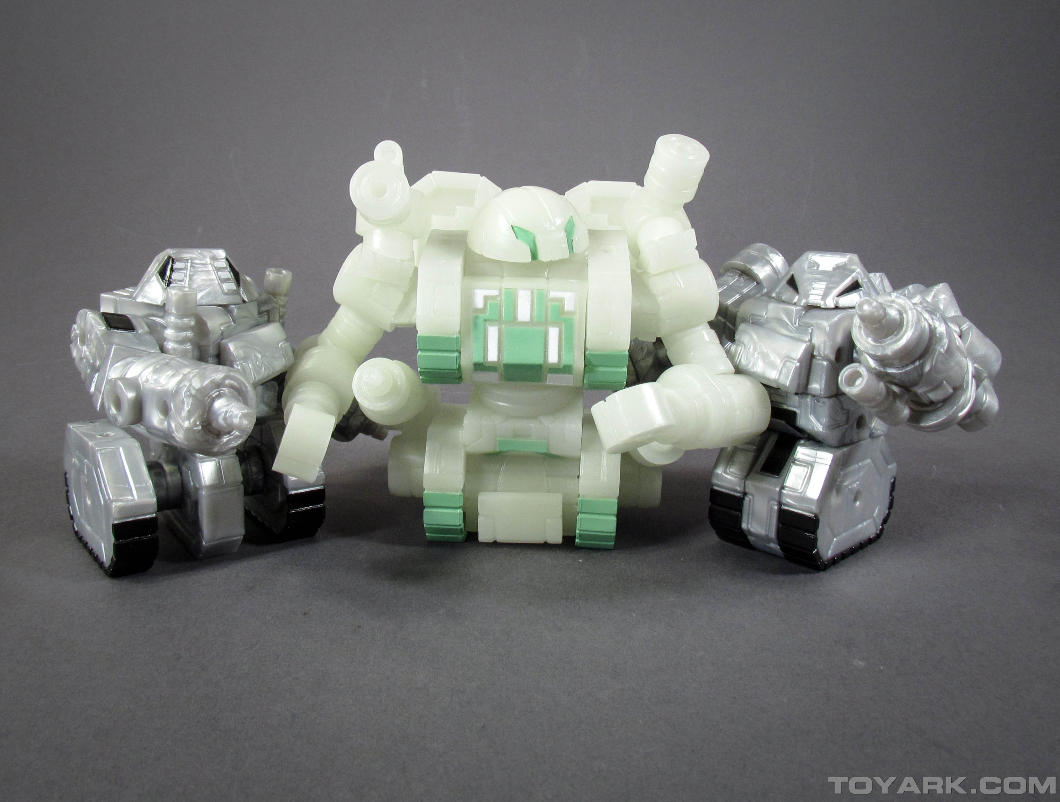 Robo Force Wave 3 Wrecker and Sentinel 001