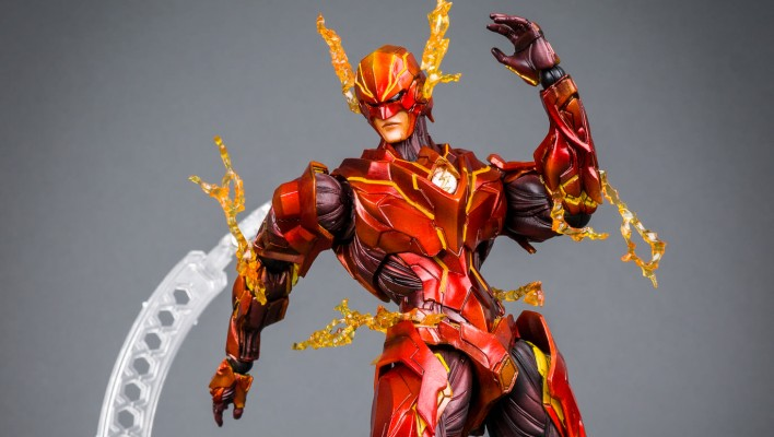 The Flash Play Arts Kai DC Comics Variant Photo Shoot