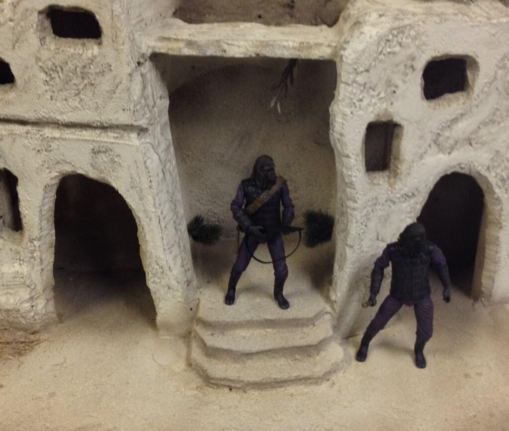 [NECA][Tópico Oficial] Planet of the Apes: Series 3 Planet-of-the-Apes-Gorilla-Soldiers-Preview