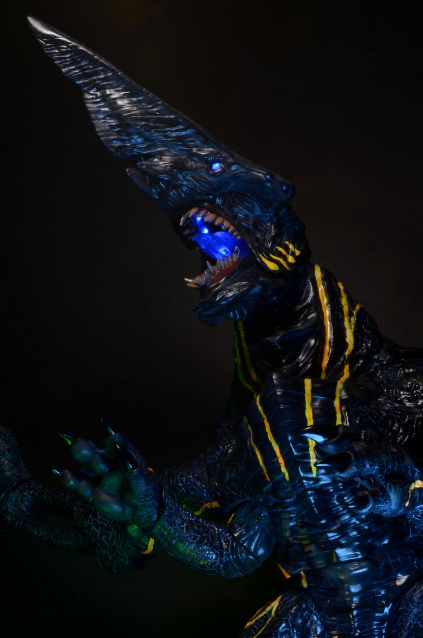 Pacific Rim Knifehead Wallpaper Check Out NECA's 18-In...