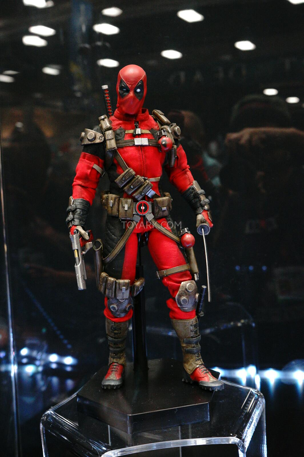 [Sideshow] Marvel Sixth Scale Collection - Deadpool DSC07546