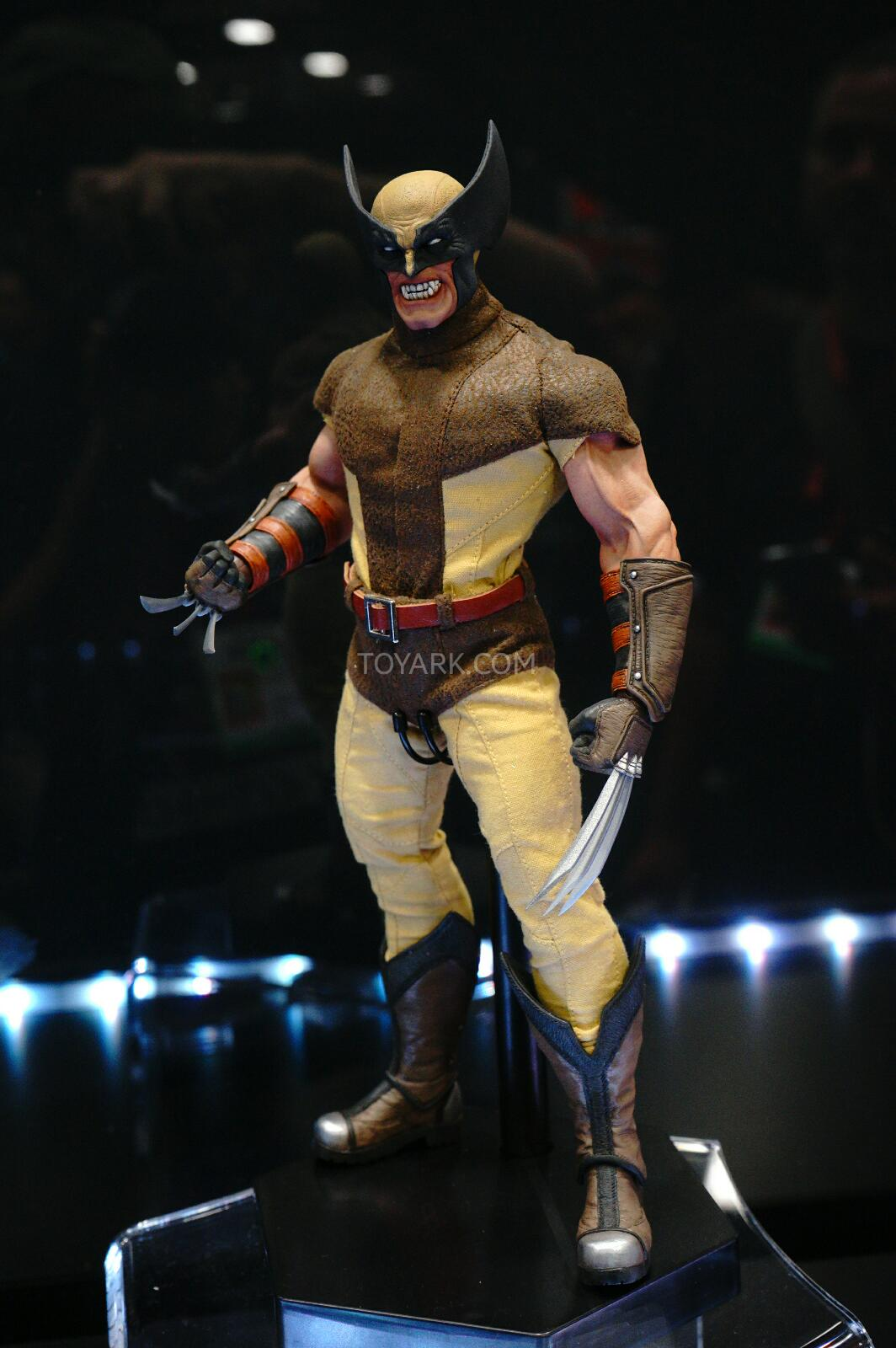 [Sideshow] Marvel Sixth Scale Collection - Wolverine DSC07549
