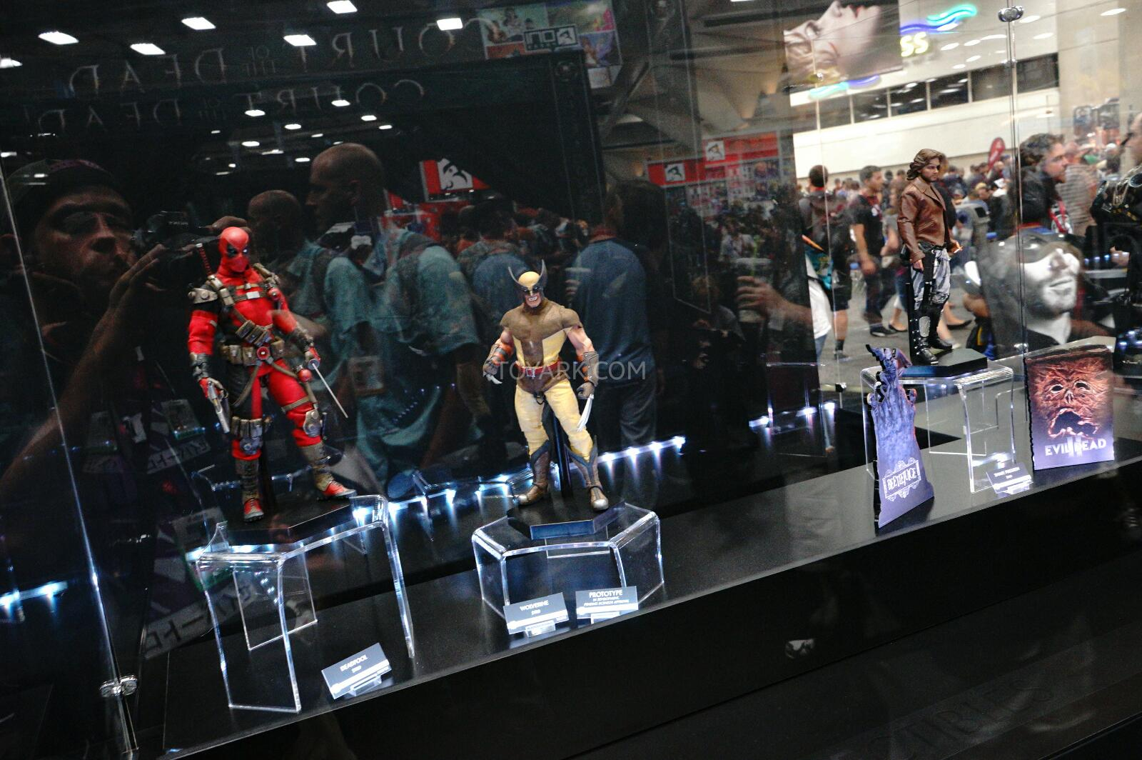 [Sideshow] Marvel Sixth Scale Collection - Wolverine SDCC-2014-Sideshow-Marvel-Sixth-Scale-Figures-001