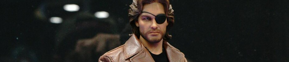 SDCC 2014 Sideshow Snake Plissken Sixth Scale Figures 002