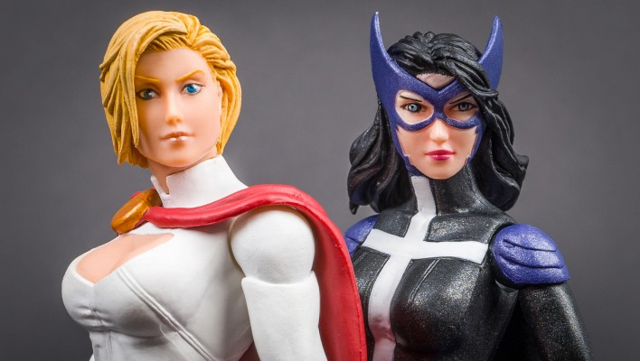 DC Collectibles Catch Up Gallery - Huntress and Power Girl 2 Pack