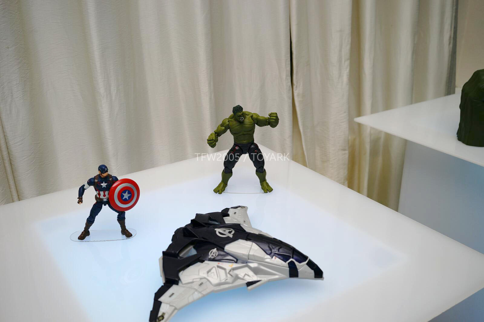 [Hasbro] NYCC | Marvel Legends | Avengers – Age of Ultron  DSC08137