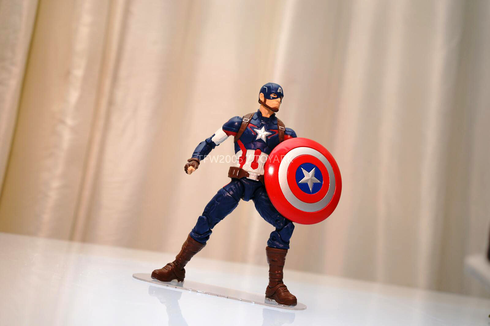 [Hasbro] NYCC | Marvel Legends | Avengers – Age of Ultron  DSC08141
