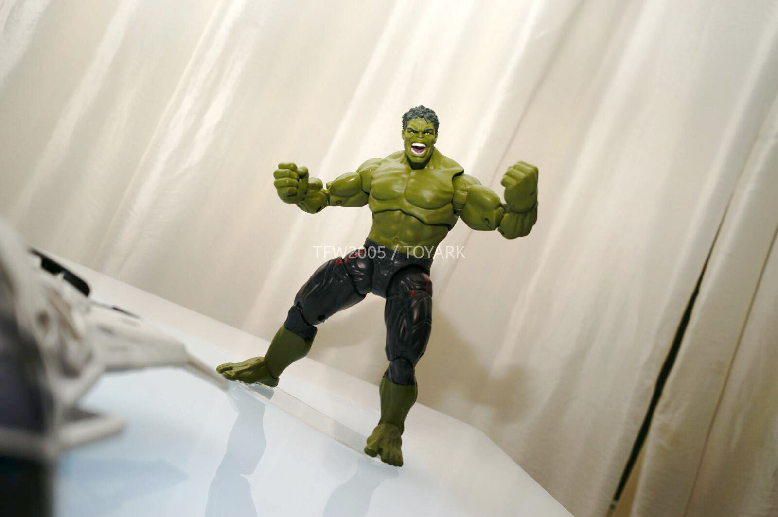 [Hasbro] NYCC | Marvel Legends | Avengers – Age of Ultron  DSC08146