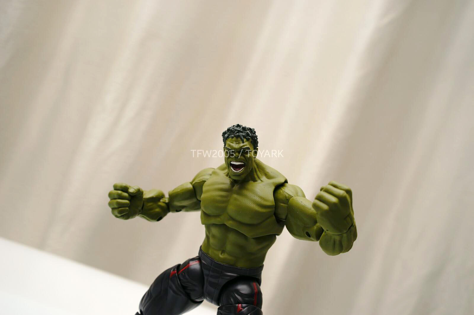 [Hasbro] NYCC | Marvel Legends | Avengers – Age of Ultron  DSC08147