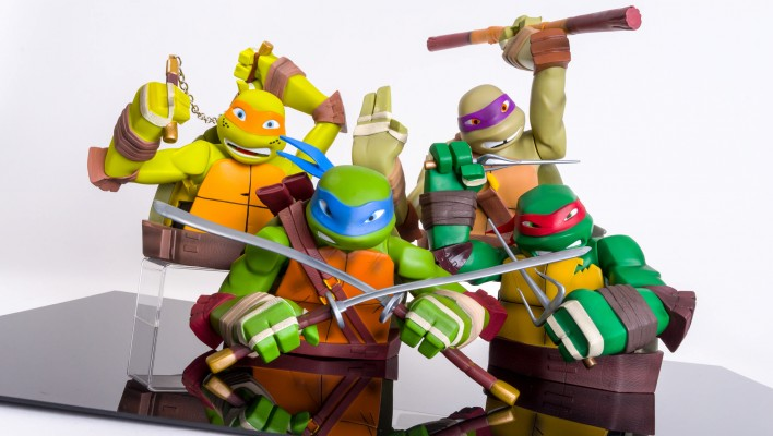 Diamond Select Toys TMNT Bust Banks Gallery