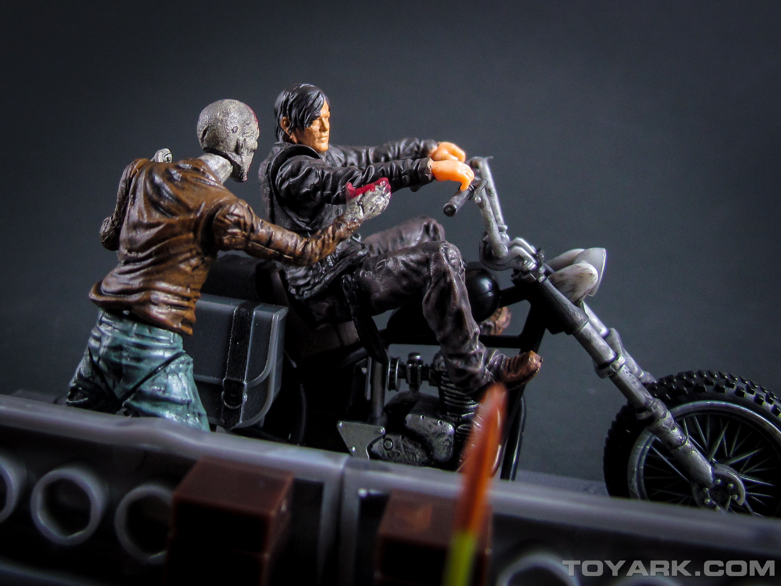 Walking Dead Daryl Dixon with Motorcycle Building Set 050