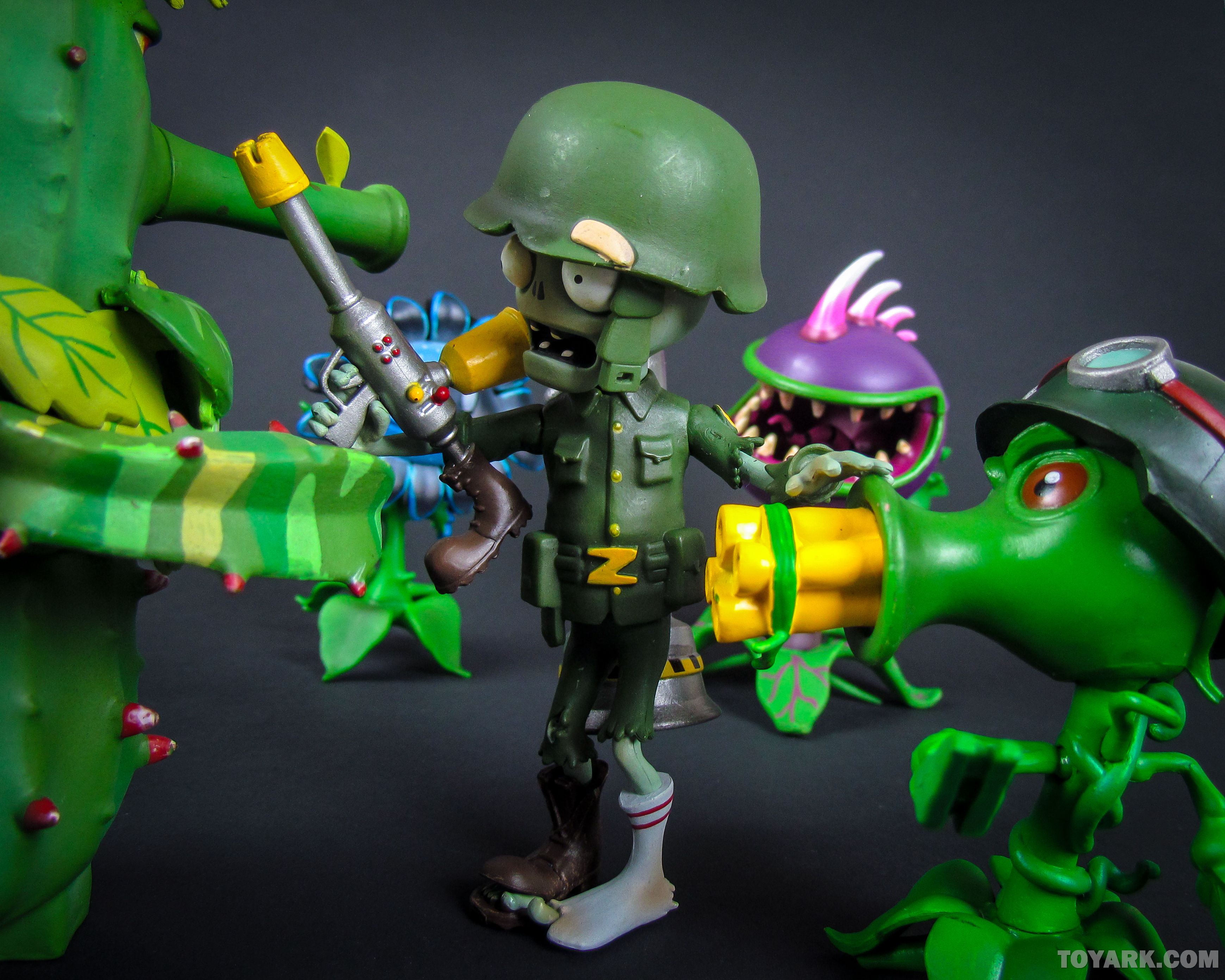 Toyark Gallery Dst Plants Vs Zombies Action Figures Toy Discussion At