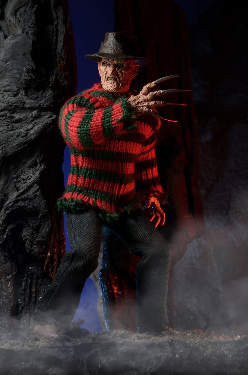 http://news.toyark.com/wp-content/uploads/sites/4/2015/01/ANOES-2-Retro-Freddy-Krueger-by-NECA-002.jpg