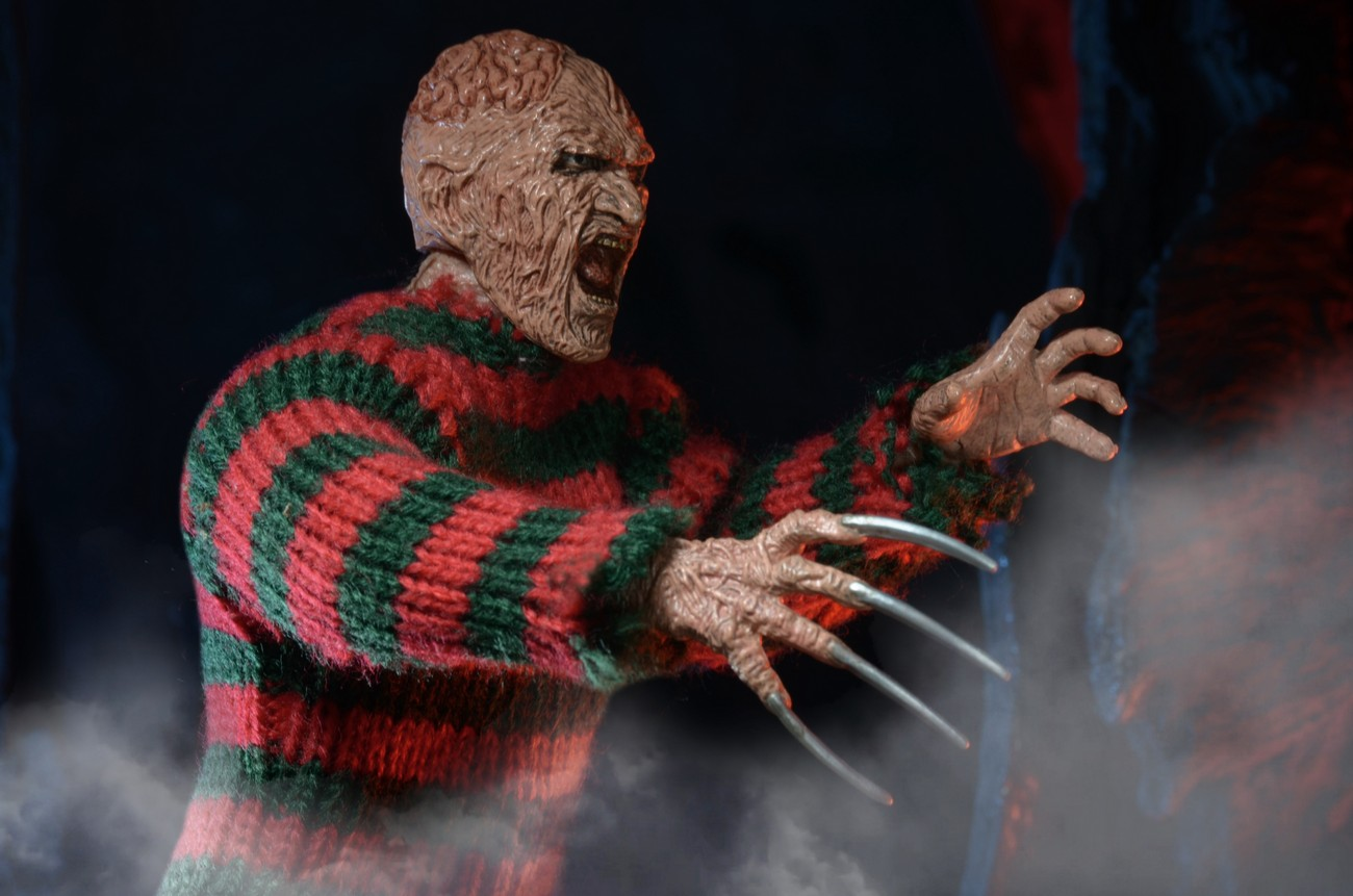 http://news.toyark.com/wp-content/uploads/sites/4/2015/01/ANOES-2-Retro-Freddy-Krueger-by-NECA-003.jpg