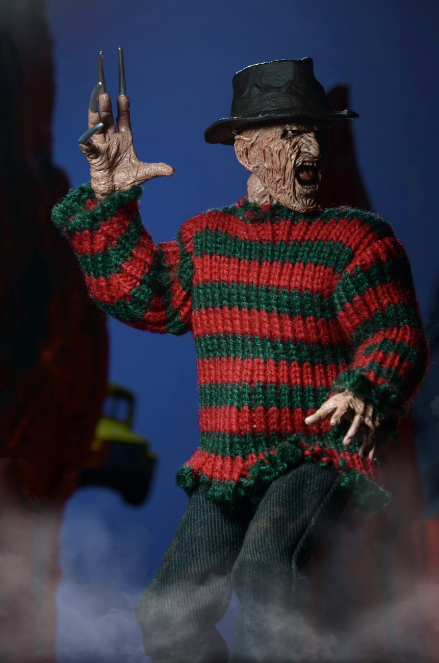 http://news.toyark.com/wp-content/uploads/sites/4/2015/01/ANOES-2-Retro-Freddy-Krueger-by-NECA-008.jpg
