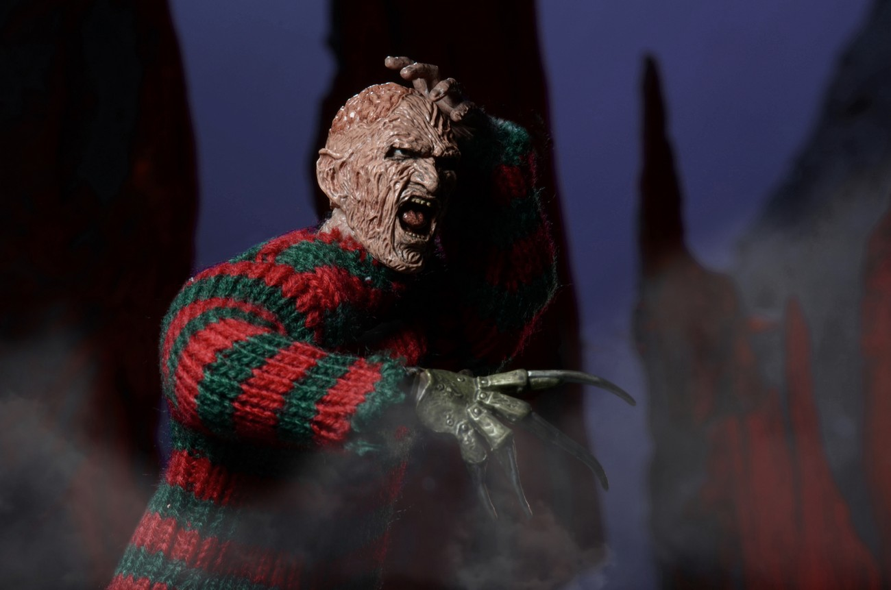 http://news.toyark.com/wp-content/uploads/sites/4/2015/01/ANOES-2-Retro-Freddy-Krueger-by-NECA-009.jpg