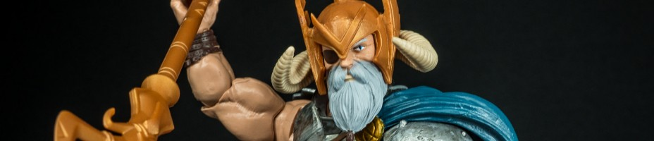 012 Marvel Legends Odin BAF Avengers Allfather