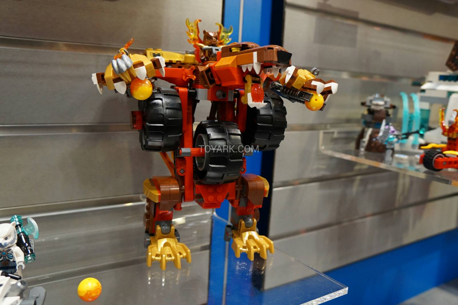 Toy-Fair-2015-LEGO-Chima-031.jpg
