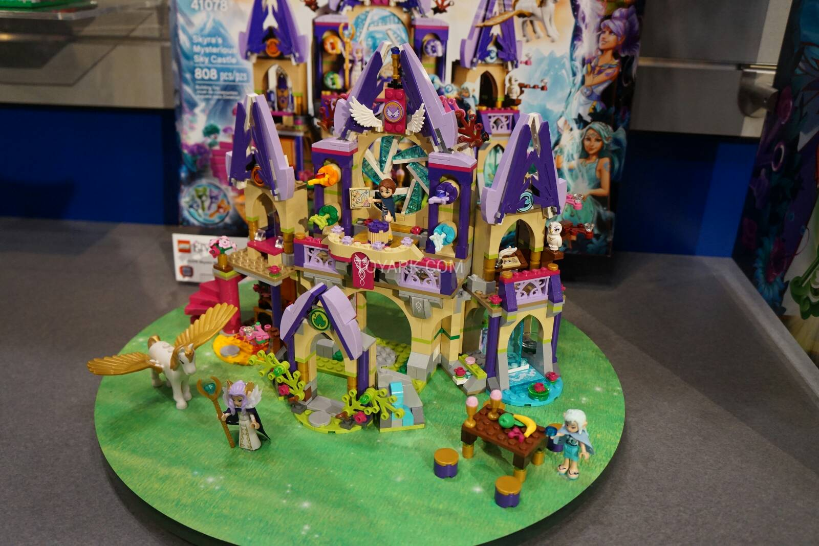 Toy-Fair-2015-LEGO-Elves-021.jpg