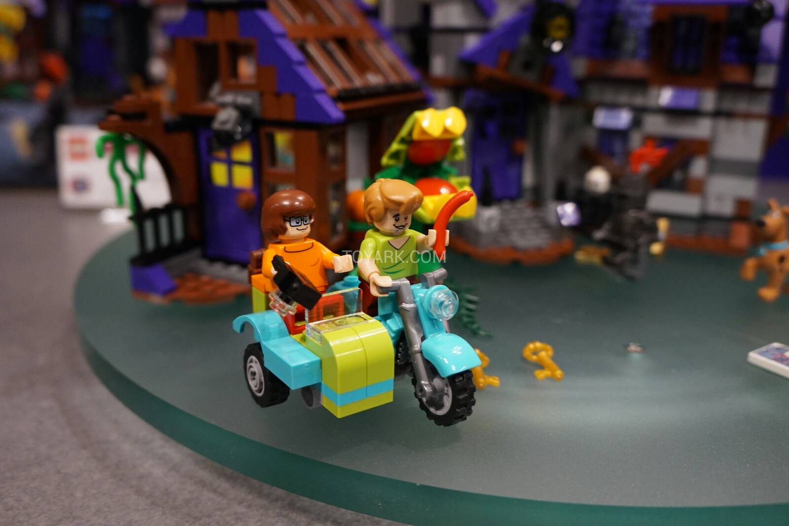 Toy-Fair-2015-LEGO-Scooby-010.jpg