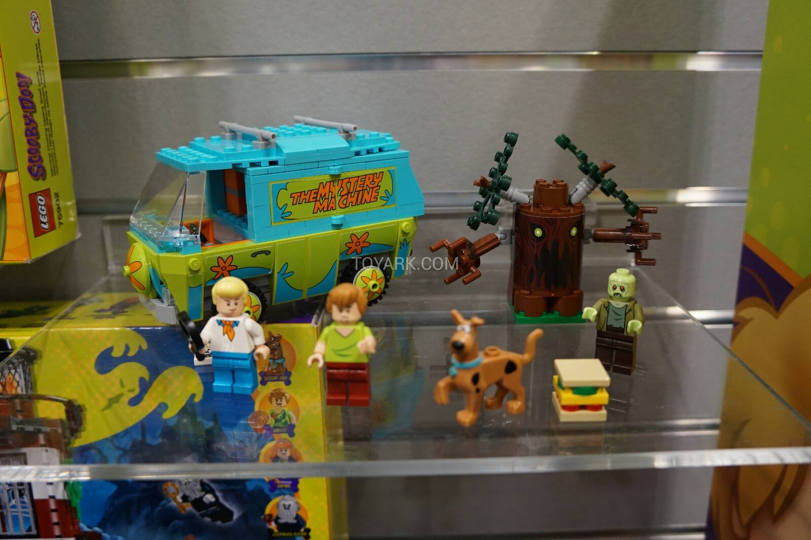 Toy-Fair-2015-LEGO-Scooby-018.jpg