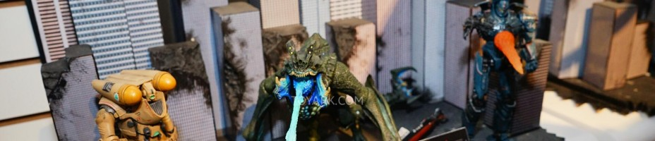 Toy Fair 2015 NECA Pacific Rim 005