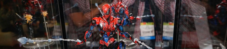 Toy Fair 2015 Square Enix Play Arts Kai Marvel 010