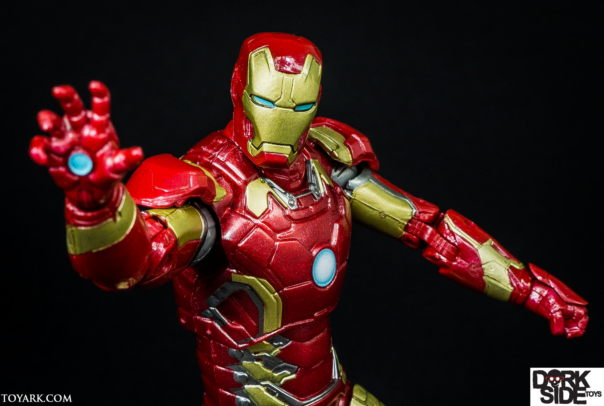 marvel legends iron man mark 43 age of ultron photo shoot the toyark news. Black Bedroom Furniture Sets. Home Design Ideas