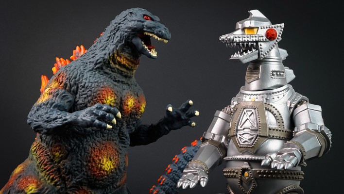 Photo Shoot - DST Burning Godzilla and Mechagodzilla Banks
