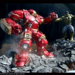 Hot Toys Avengers Exhibition Hulkbuster and Hulk Statue 001