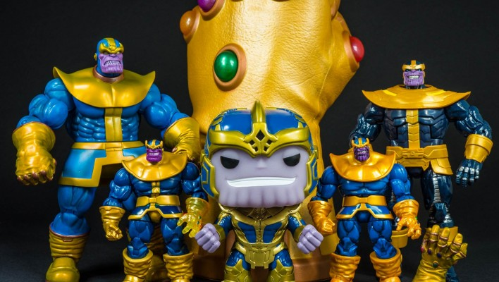 Pop Vinyl Thanos Bobble Head Entertainment Earth Exclusive Photo Shoot