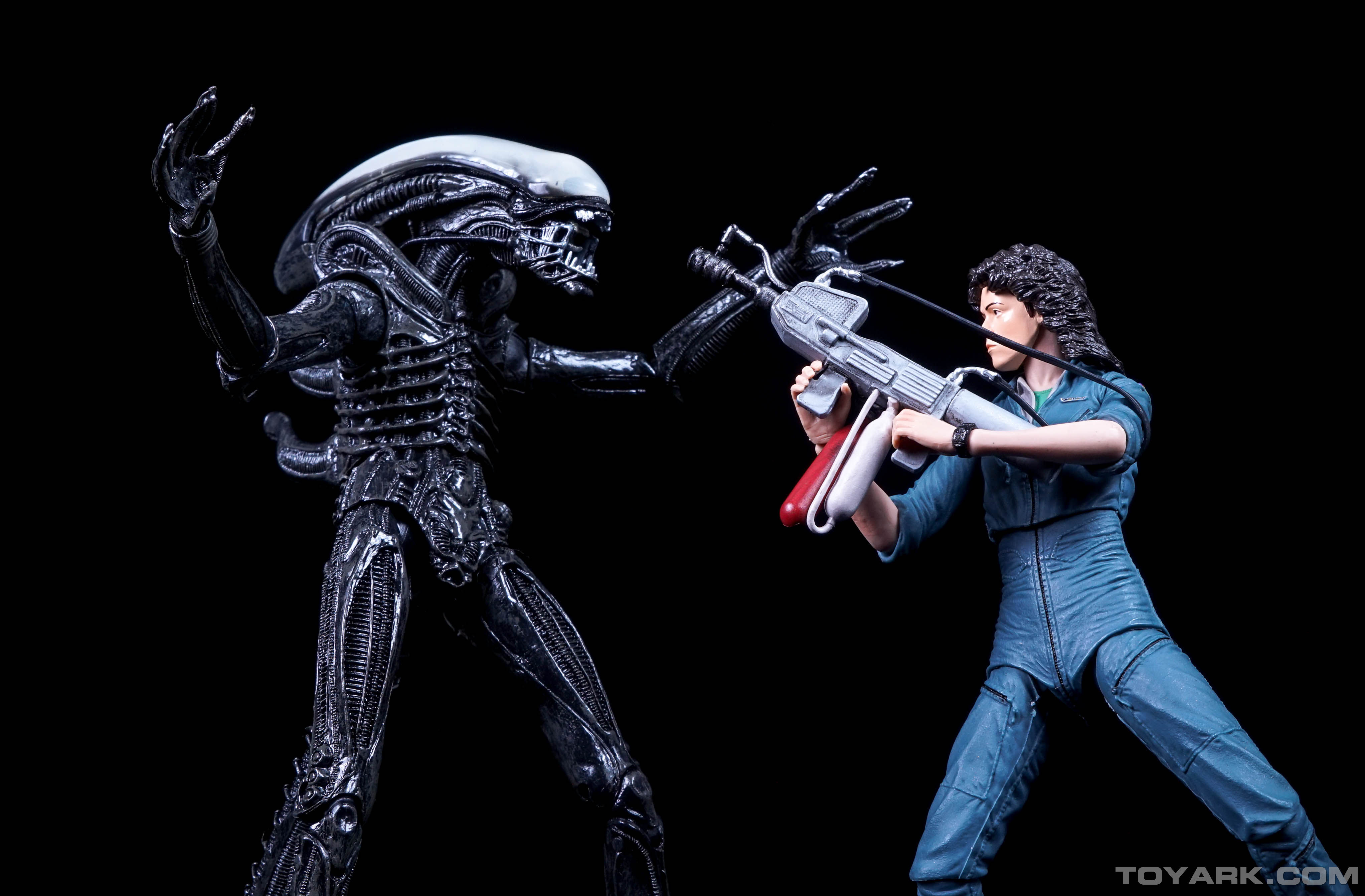 http://news.toyark.com/wp-content/uploads/sites/4/2015/06/Aliens-Series-4-by-NECA-099.jpg