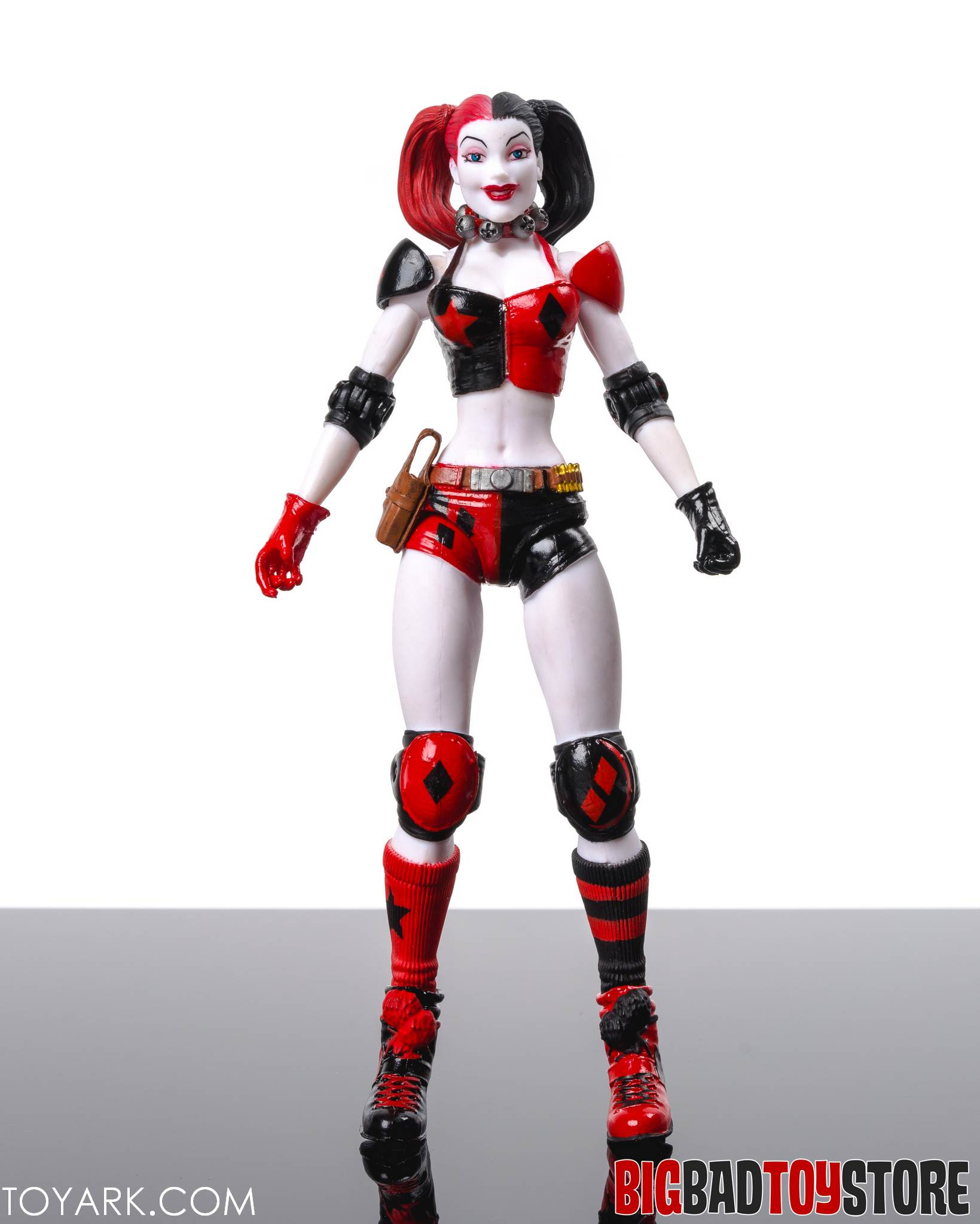 http://news.toyark.com/wp-content/uploads/sites/4/2015/06/DCC-New52-Harley-Quinn-04.jpg