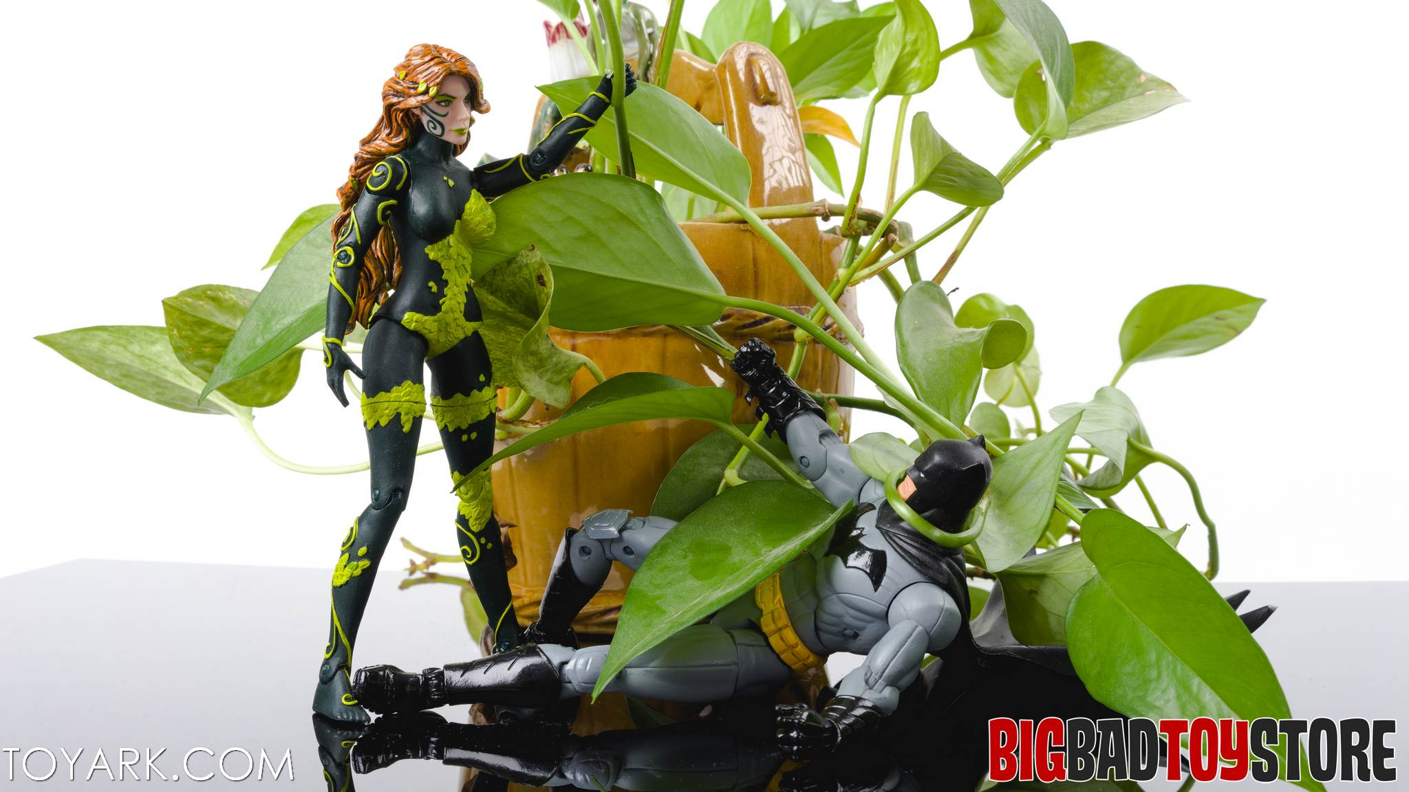 DCC New52 Poison Ivy 12