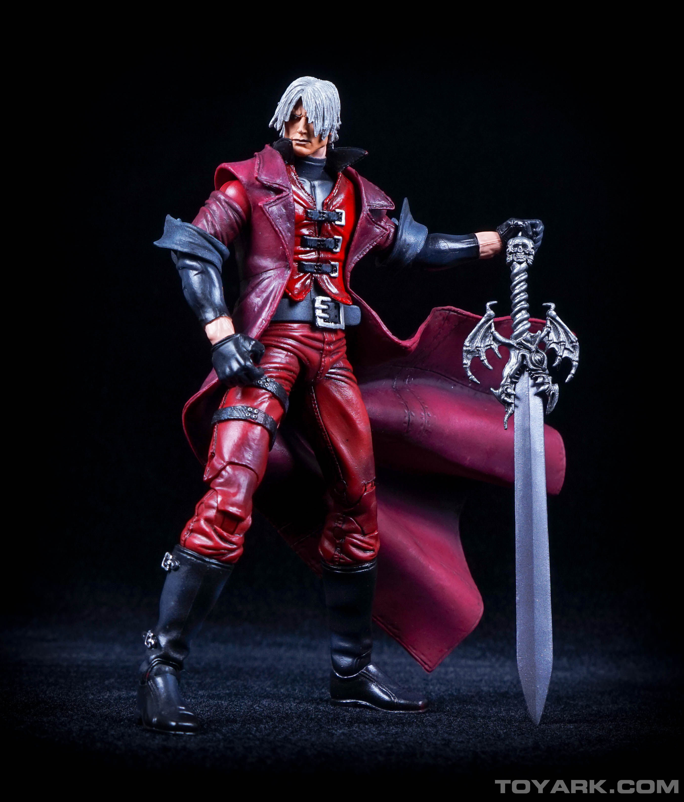 http://news.toyark.com/wp-content/uploads/sites/4/2015/06/NECA-Devil-May-Cry-Dante-024.jpg