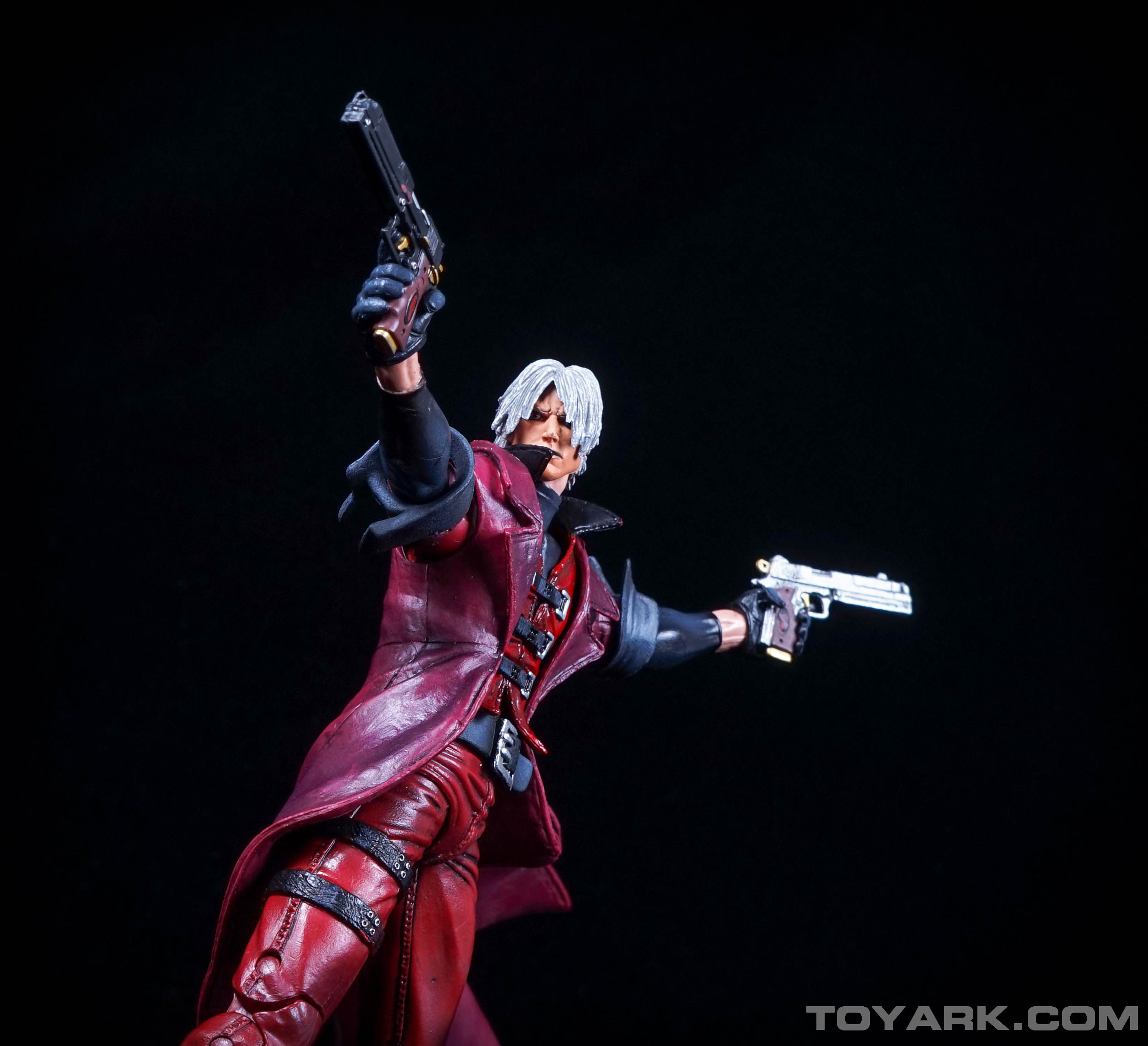 http://news.toyark.com/wp-content/uploads/sites/4/2015/06/NECA-Devil-May-Cry-Dante-033.jpg