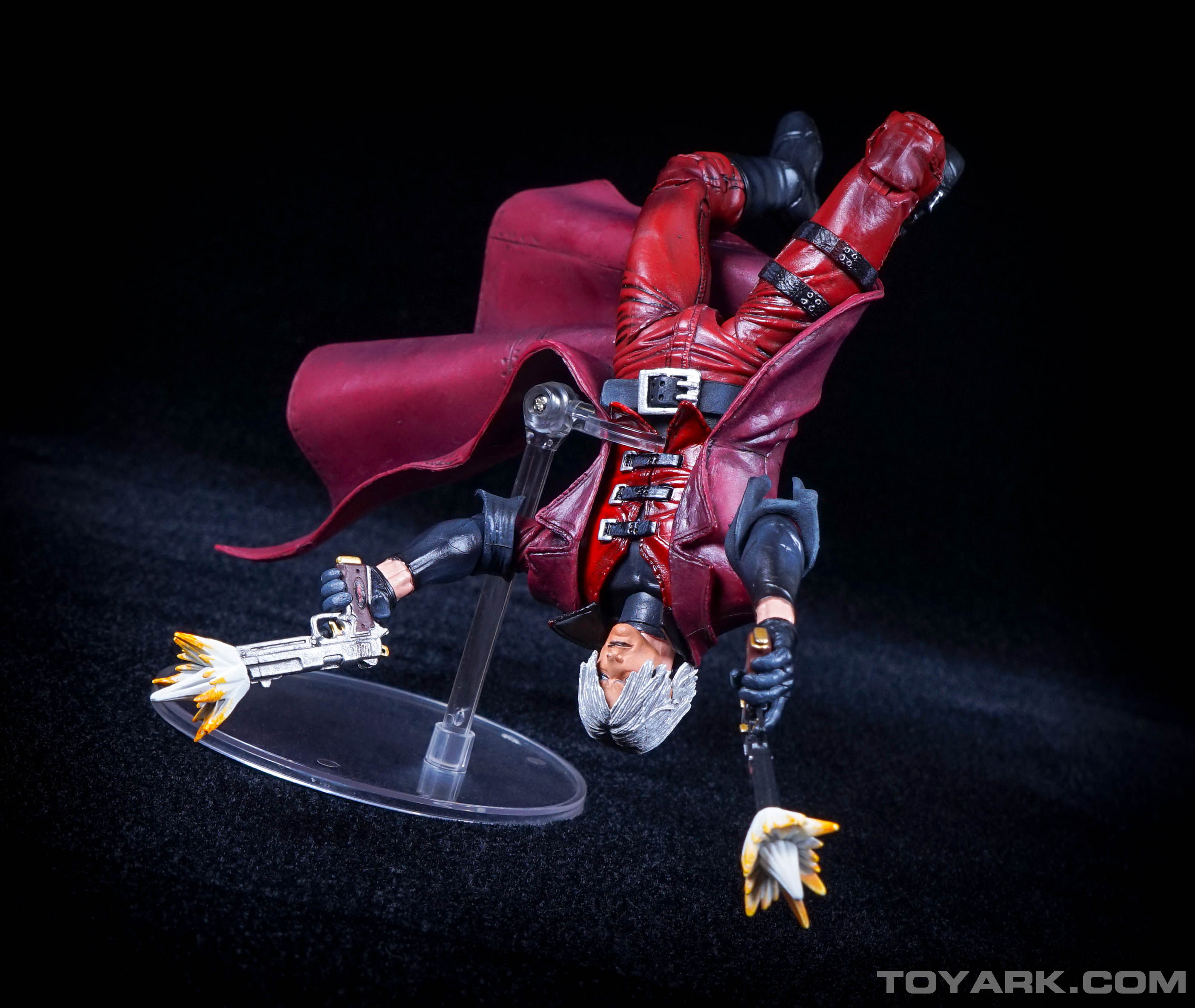 http://news.toyark.com/wp-content/uploads/sites/4/2015/06/NECA-Devil-May-Cry-Dante-041.jpg