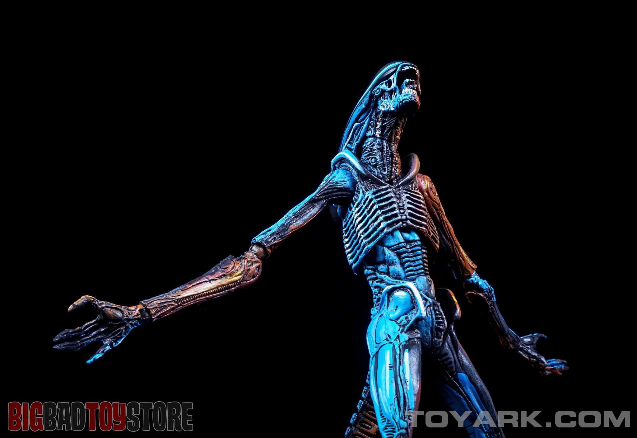 http://news.toyark.com/wp-content/uploads/sites/4/2015/06/NECA-NES-Dog-Alien-036.jpg