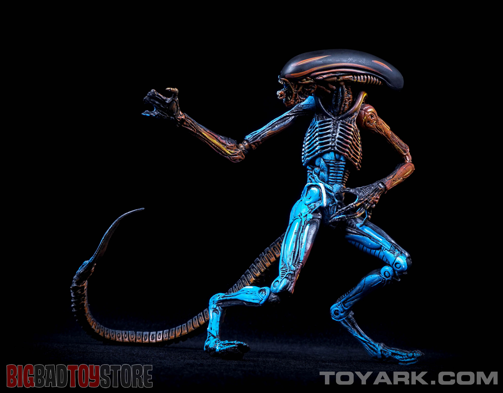 http://news.toyark.com/wp-content/uploads/sites/4/2015/06/NECA-NES-Dog-Alien-038.jpg