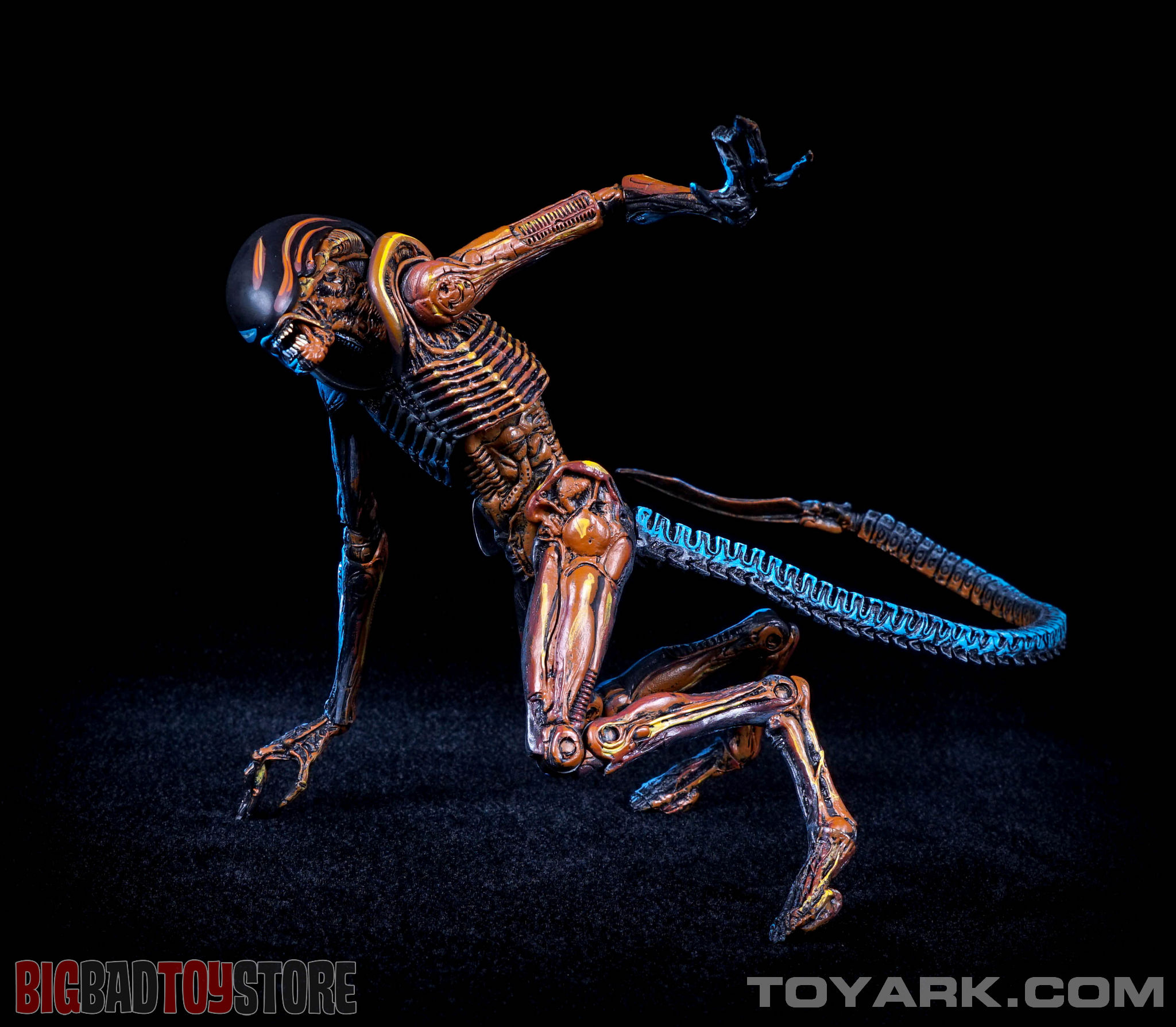 http://news.toyark.com/wp-content/uploads/sites/4/2015/06/NECA-NES-Dog-Alien-039.jpg