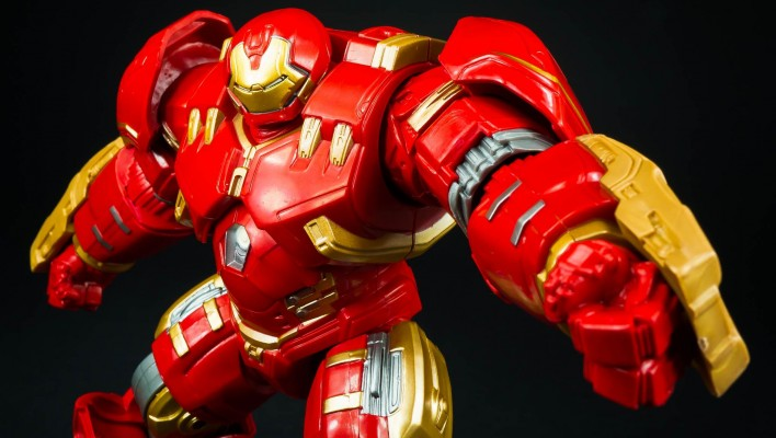 Marvel Legends Hulkbuster Build A Figure Photo Shoot