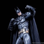 http://news.toyark.com/wp-content/uploads/sites/4/2015/07/NECA-Arkham-Knight-Batman-030-150x150.jpg