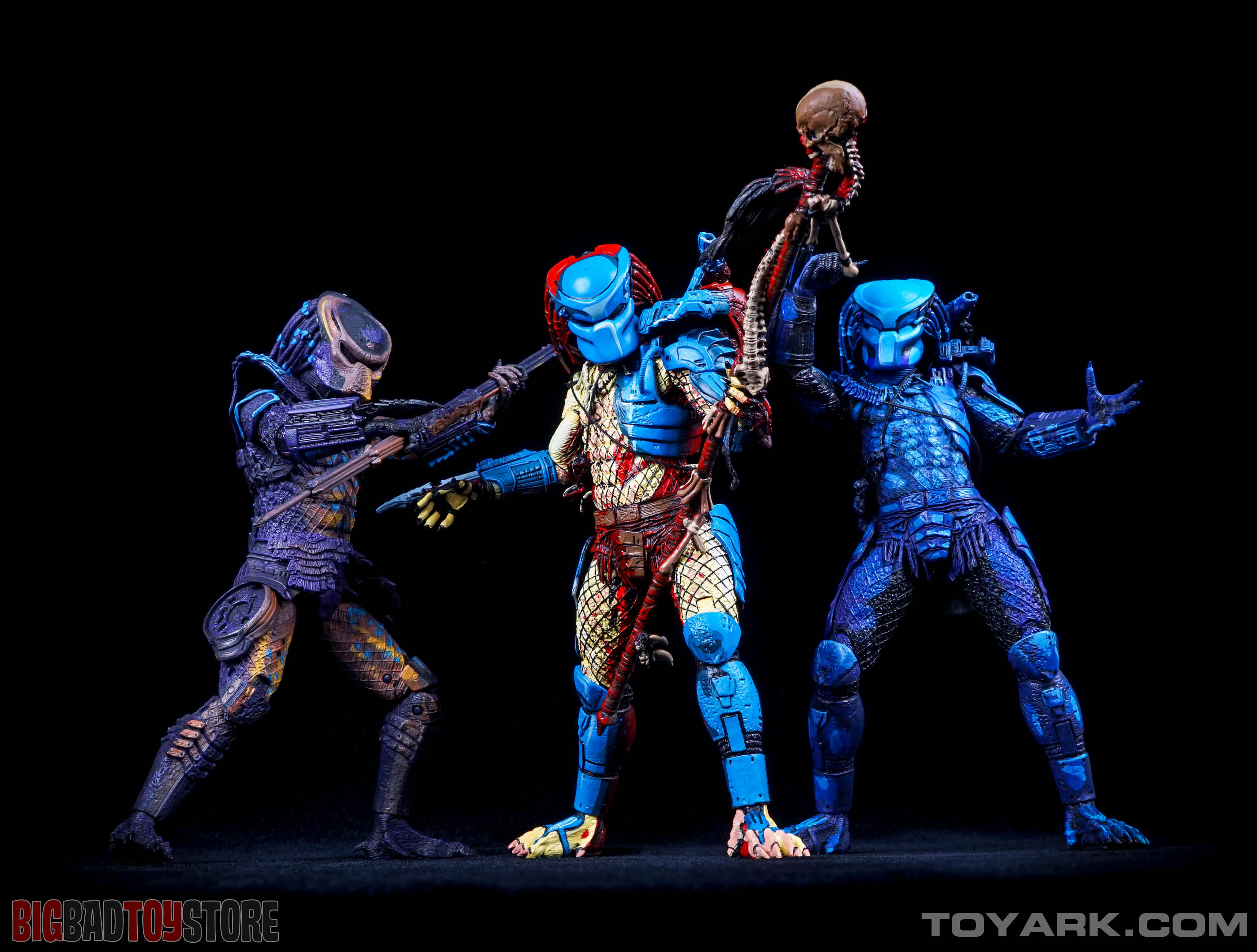 http://news.toyark.com/wp-content/uploads/sites/4/2015/07/NECA-Dark-Horse-Predator-053.jpg