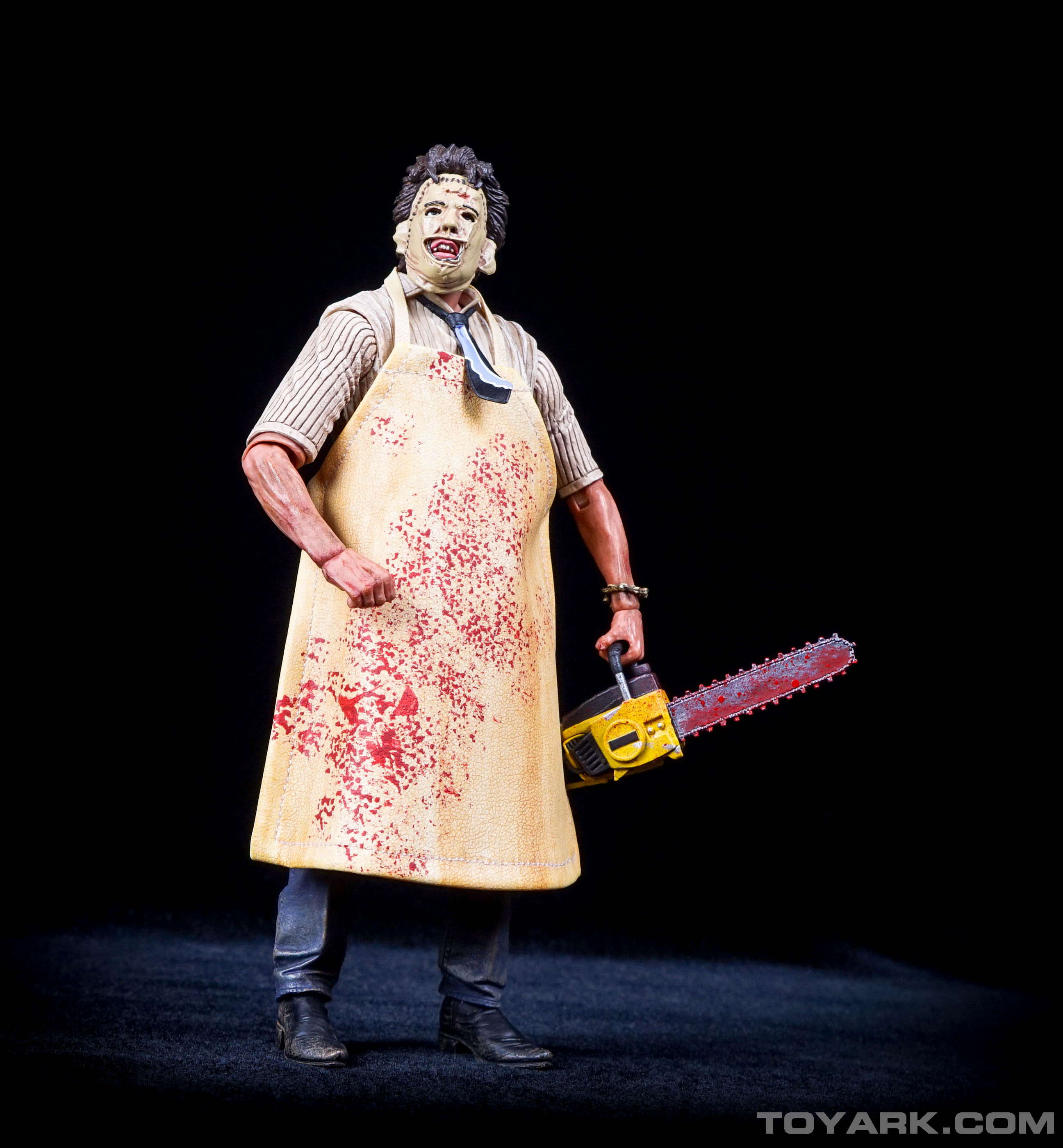 http://news.toyark.com/wp-content/uploads/sites/4/2015/08/NECA-TCM-Ultimate-Leatherface-035.jpg