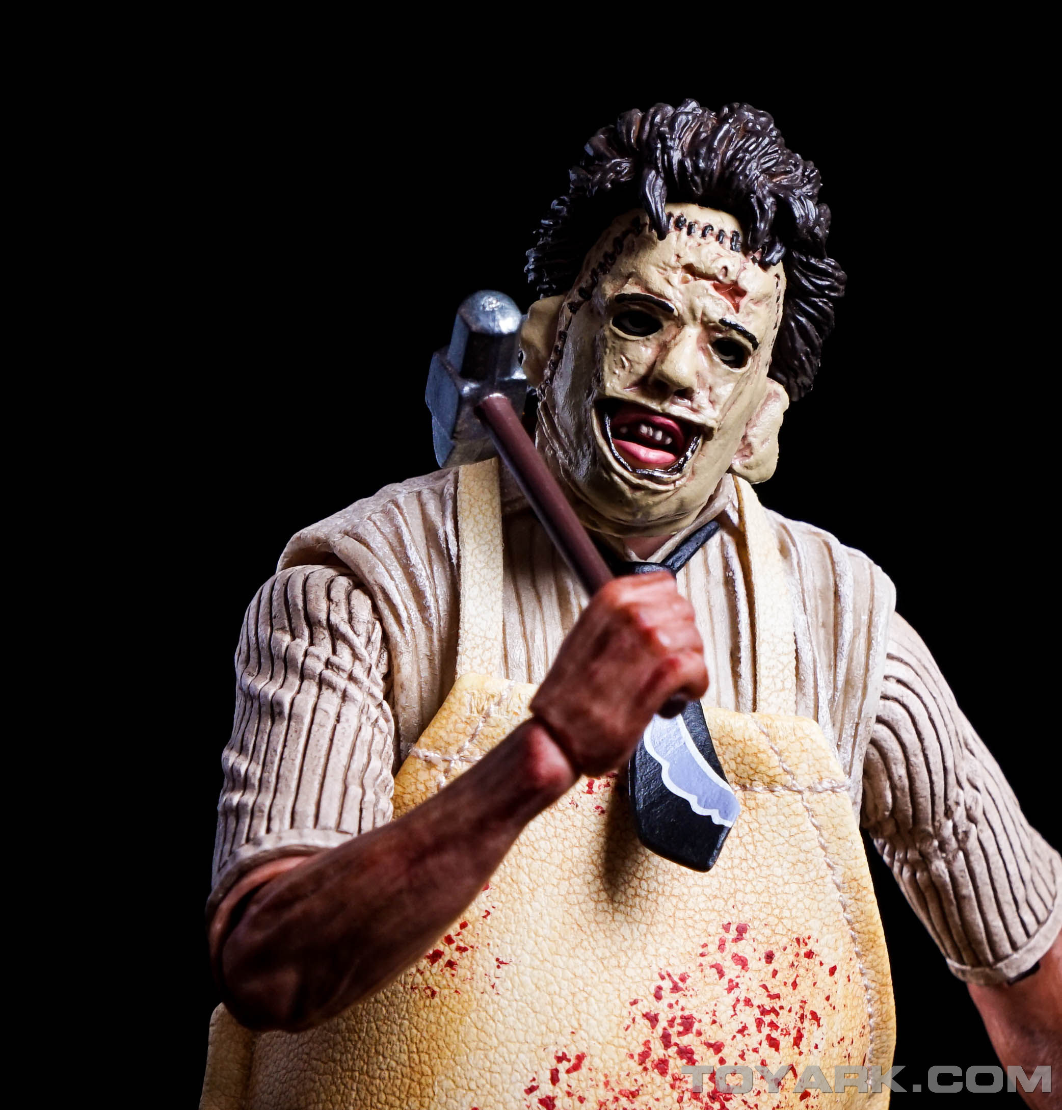 http://news.toyark.com/wp-content/uploads/sites/4/2015/08/NECA-TCM-Ultimate-Leatherface-048.jpg