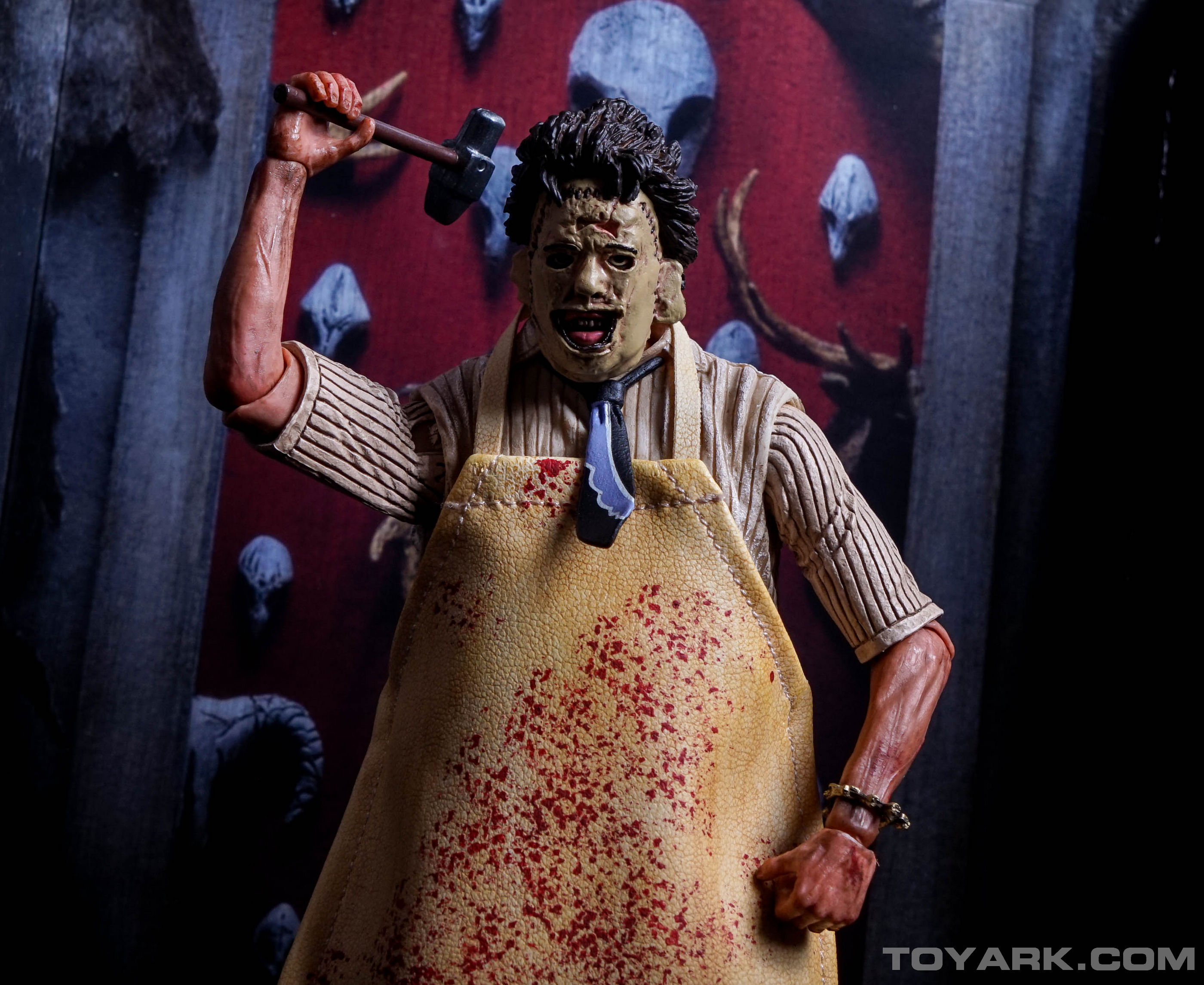 http://news.toyark.com/wp-content/uploads/sites/4/2015/08/NECA-TCM-Ultimate-Leatherface-064.jpg