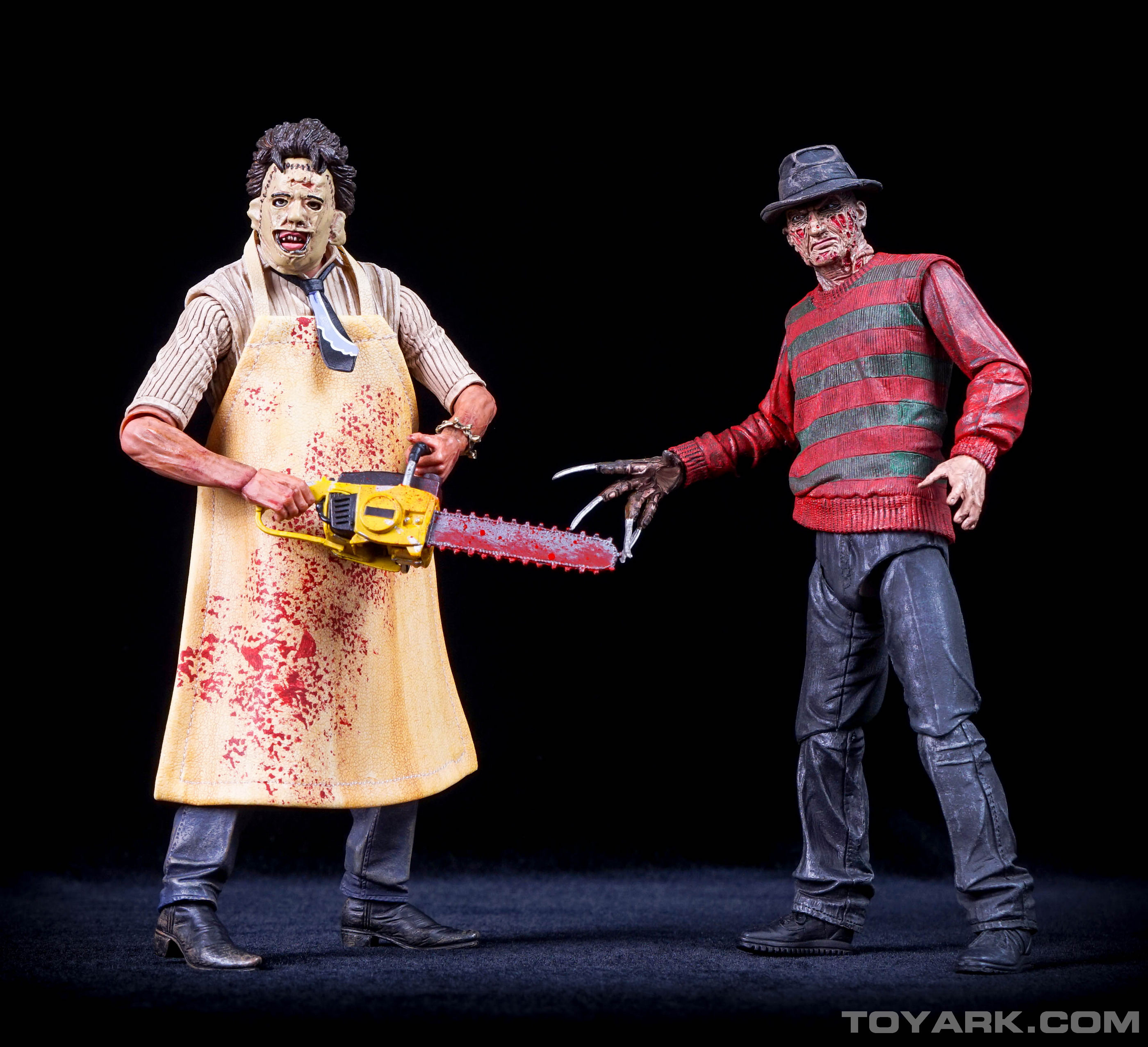 http://news.toyark.com/wp-content/uploads/sites/4/2015/08/NECA-TCM-Ultimate-Leatherface-068.jpg